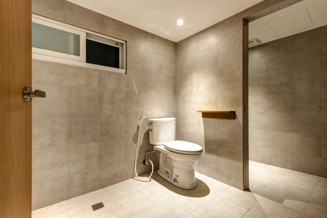 8F四人房專用浴室-3