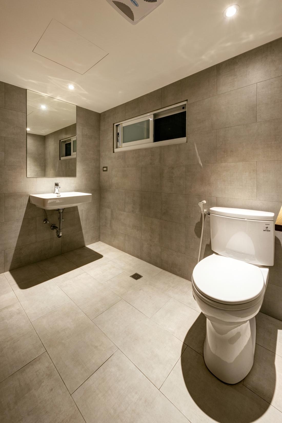 8F四人房專用浴室-2